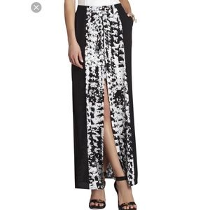 BCBG Black and white skirt